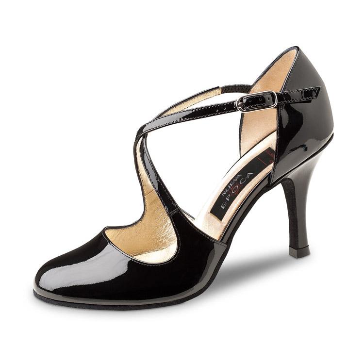 Chaussure de danse pour femme Nueva Epoca Lupe 8 est en cuir vernis, très confortable, chaussure fermée sur le devant, et très aérée sur le dessus, brides croisées sur le dessus du pied, talon 8 cm. Idéal pour danse de salon. Danceworld à Bruxelles