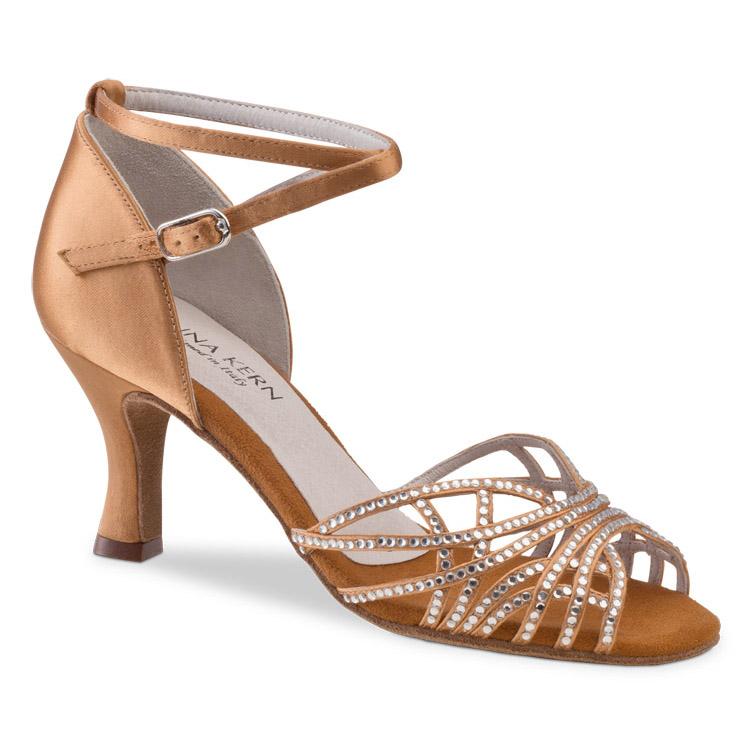 Chaussure de danse pour femme Anna Kern 700-60 est en satin garnie de strass sur le devant de la chaussure qui lui donne un look sexy, très confortable avec son ouverture sur les orteils, très souple, Talon 6 cm. Idéal pour danse de salon. Danceworld à Bruxelles